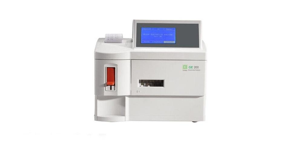 دستگاه الکترولیت آنالایزر GE200
